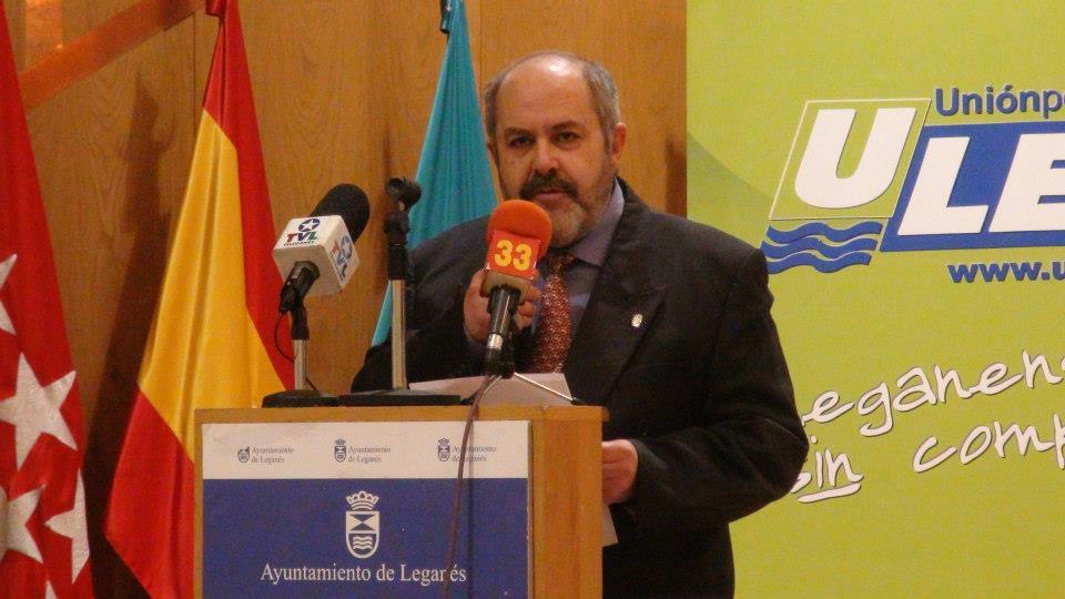 Josman, poeta y vecino de Leganés, recibió un galardón como Protagonista Local