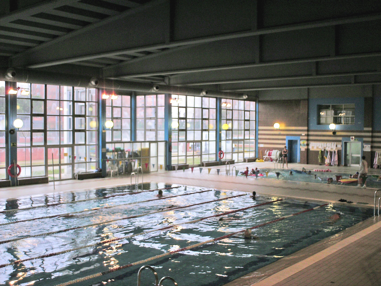 uleg achaca el cierre de la piscina climatizada de el