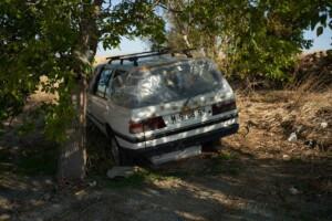 Coche abandonado en caminos de Leganés